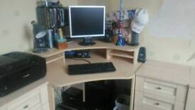 Corner Computer unit with drawers and cupboards