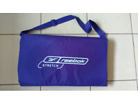 REEBOK STRETCH FOLDING PADDED EXERCISE MAT WITH CARRY HANDLE BLUE