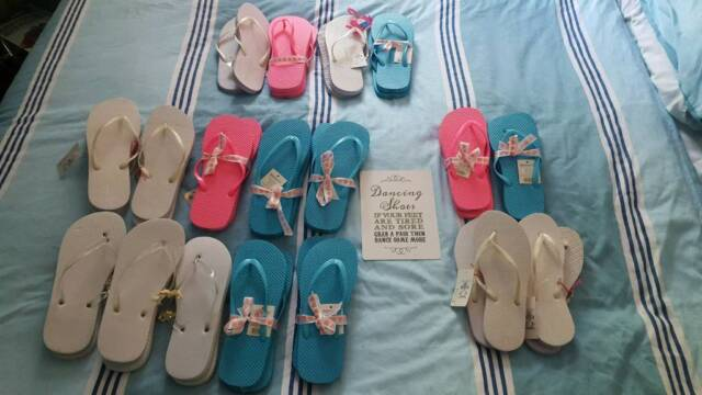 59df6fb4a0b8f Brand new wedding party flip flops and sign