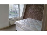 Furnished rooms to rent in a 3-bedroom flat in Lambeth, postgraduates and professionals only