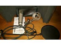 Microphone -Rode NT1A Bundle. inc Portable sound booth/pop filter/Shock mount