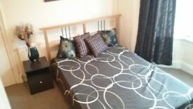 Fantastic double room all bills, NO DEPOSIT, WiFi with Graduates in Swindon