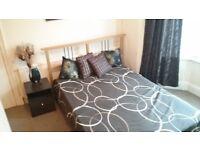 Fantastic en-suite room, all bills, NO DEPOSIT, WiFi with Graduates in Swindon