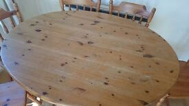Dining table and 6 chairs - Dinner furniture - solid pine wood - good condition - free delivery