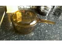 Pyrex Pan. Excellent Condition. £3.00 (ONO)