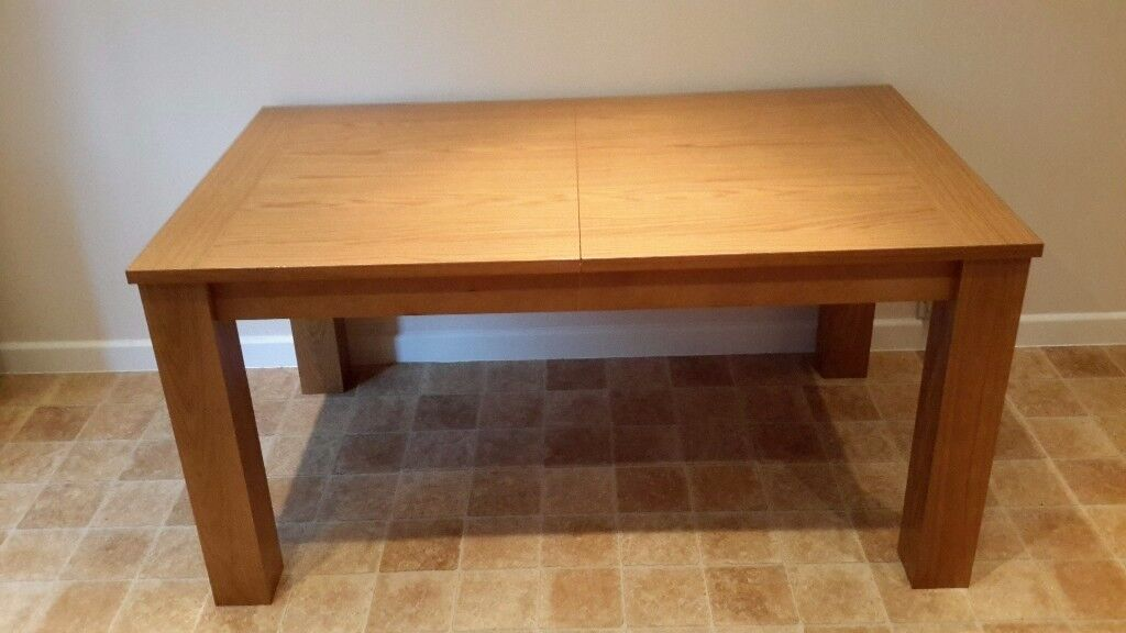 Solid Oak Extendable Dining or Kitchen Table