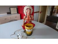 VINTAGE 1950S ORIGINAL CHALKWARE AMERICAN NATIVE INDIAN CHIEF DESK OCCASIONAL LAMP FAB DECOR DISPLAY