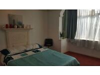 Triple room in Tooting Broadway. Available from 01/03
