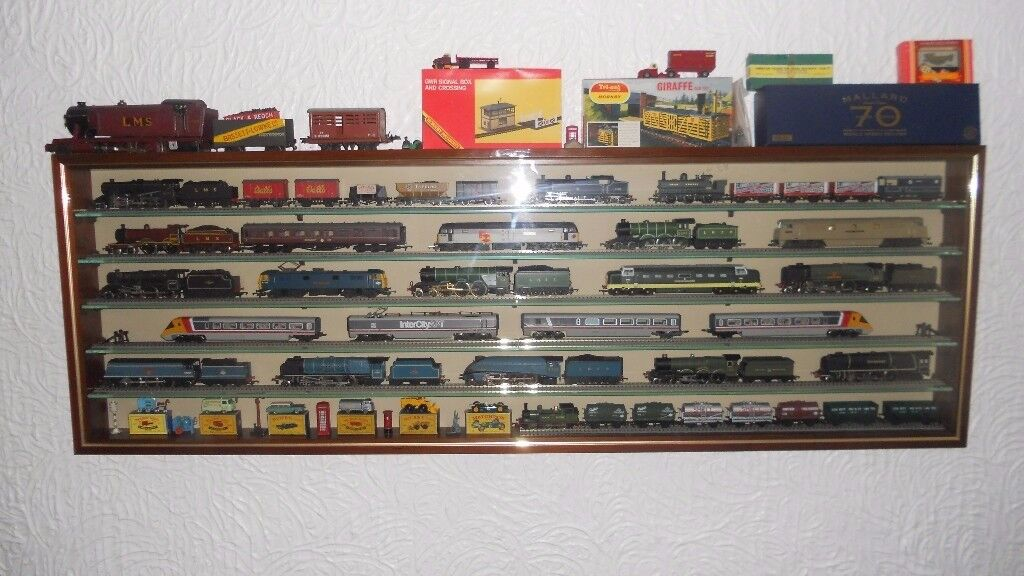 Wanted Model Railway Train Set's any amount Hornby Triang Lima Bachmann Lego etc & cast iron signs