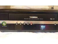 TOSHIBA RDXV 47 VHS/DVD/HHD RECORDER