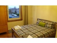 One room to rent in a shared house for professional or student/Phd