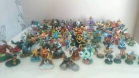 Skylanders mixture of figures