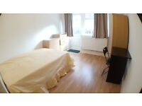 **Ensuite Double Room in a Newly Built 3 Bedroom Flat with Garden in E3**