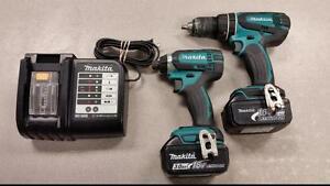 Makita 3.0Ah LXT Hammer Drill and Impact Driver Combo Set