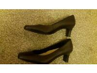 Ladies new shoes size8