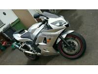Triumph Daytona 600cc 52reg Silver, great condition
