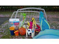 Outdoor toy collection: football nets, football, golf, bag of sand, tennis, gardening, croquet, etc.