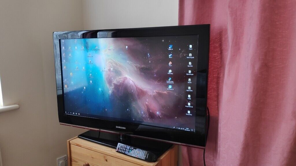 Samsung 40 LE40B530P7W, hdmi, full hd, fully working, remote, stand | in  Bournemouth, Dorset | Gumtree