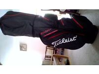 Titleist Stadry Cart Bag in immaculate condition. Seven waterproof pockets with waterproof zips.