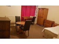LAST CHANCE +BEAUTIFUL SUPER DOUBLE ROOM + ALL BILLS INCLUDED