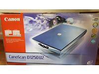 Canon Flatbed scanner USB2 - CanoScan D1250 U2