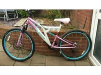 ladies bike 26inch wheels,disk brakes good condition