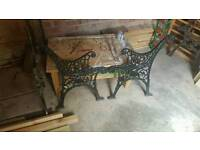Ends iron bench