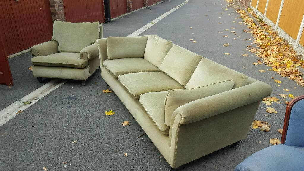 g plan sofa and chair