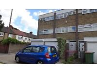 NOW LET MORE WANTED!!! Large 3 Bed Town House Close to Plaistow Tube