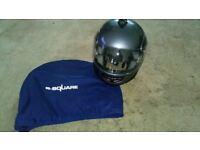 B-Square Full Faced Mens Helmet, Large 59-60cm with Spare Visor
