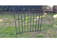 3x Metal fence panels&gate. Easy to install/remove