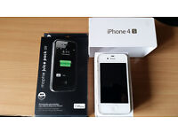 iPhone 4s - 32GB - Unlocked to all networks + Mophie Juice Pack