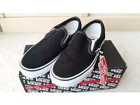 Vans Classic Slip Ons Black & White Canvas BRAND NEW NEVER BEEN WORN