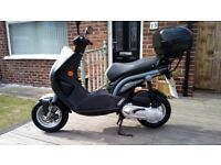Peugeot Ludix 49cc Moped - Ideal For The Smaller Rider!
