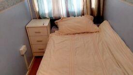 single bedroom in shared flat Oldbury/Birmingham