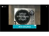2 Stanton STR100 Decks