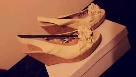 Size 6 Beautifull wedge summer sandals