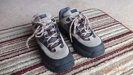 Ladies Walking Boots Size 4
