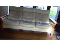Cream Stressless recling 3 seater sofa verygood condition