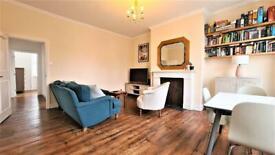 2 bedroom flat in The Grove, Isleworth, TW7