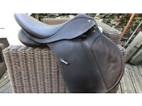"""Wintec Synthetic Saddle Adjustable Gullet system. Brown 17"""""""