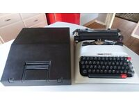 VINTAGE OLLVETTI LETTERA STYLISH PORTABLE TYPEWRITER FITTED CASE GWO WEDDING PROP HOME DECOR USE