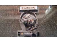 Skulcandy scullcrusher headphones.