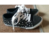 Girls Star Canvas Shoes Size:13