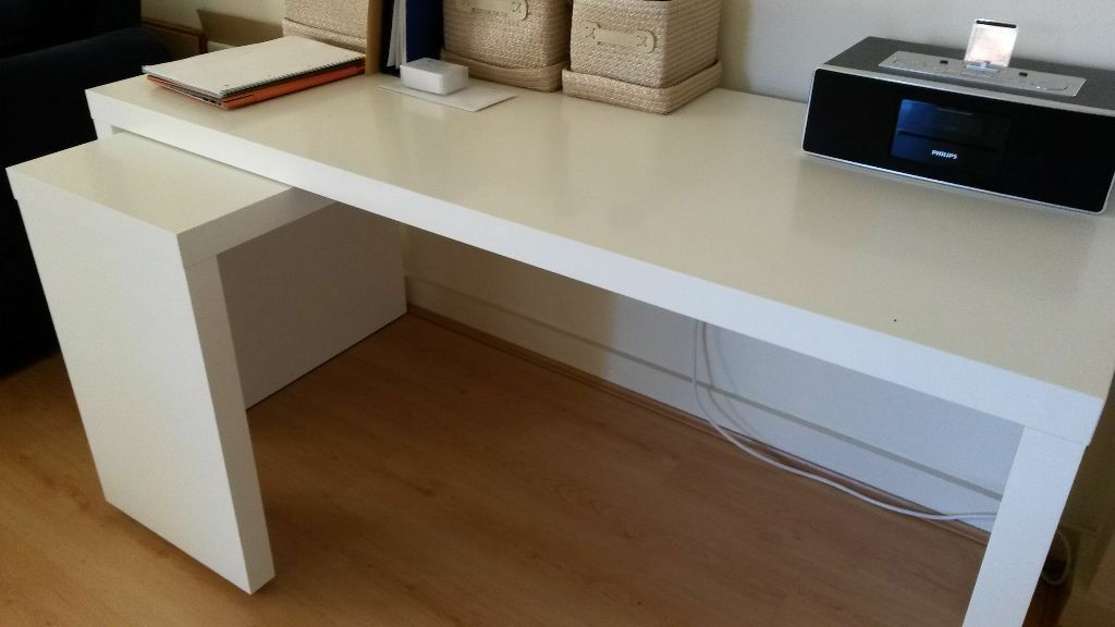 white malm desk with pull out panel from ikea need to sell urgently in old street london. Black Bedroom Furniture Sets. Home Design Ideas