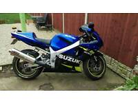 Gsxr 600 k1 with a couple of subtle upgrades