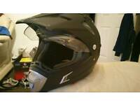 Uber adventure style motorcycle helmet size L