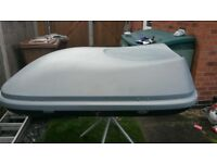 halford 470 litre roof box