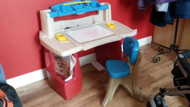 Step 2 Children S Deluxe Art Activity Desk With Chair Age 3 In