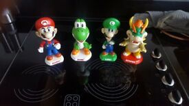 Nintendo Bobbleheads pot not plastic (full collection, fully boxed)
